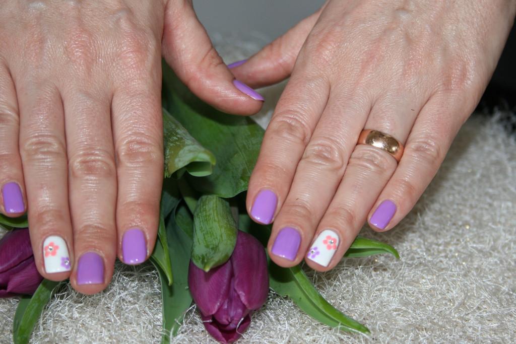 Hybrydowy manicure na wiosnę z lakierami Semilac glowlifestyle.pl-002