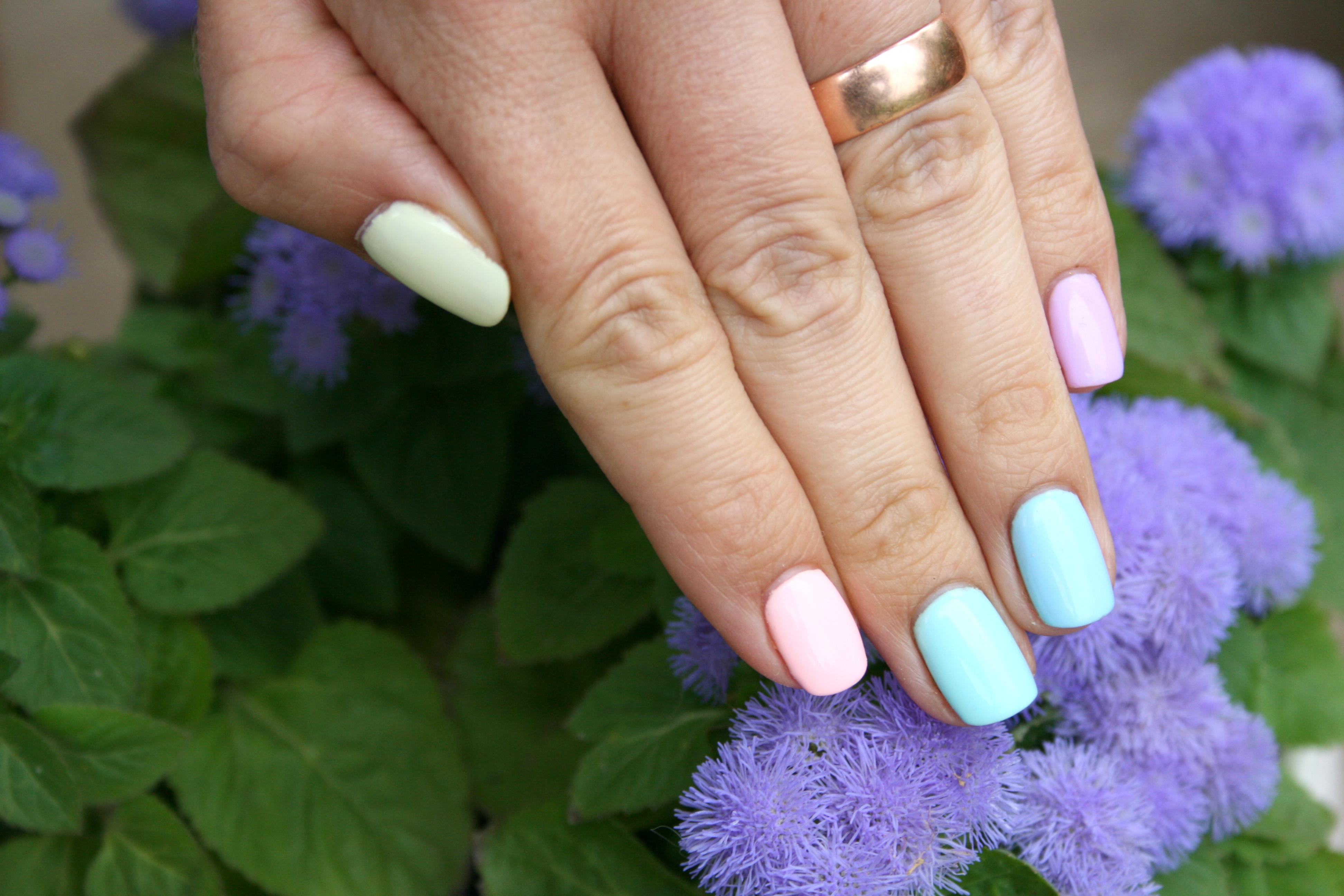 Pastelowy manicure hybrydami Semilac