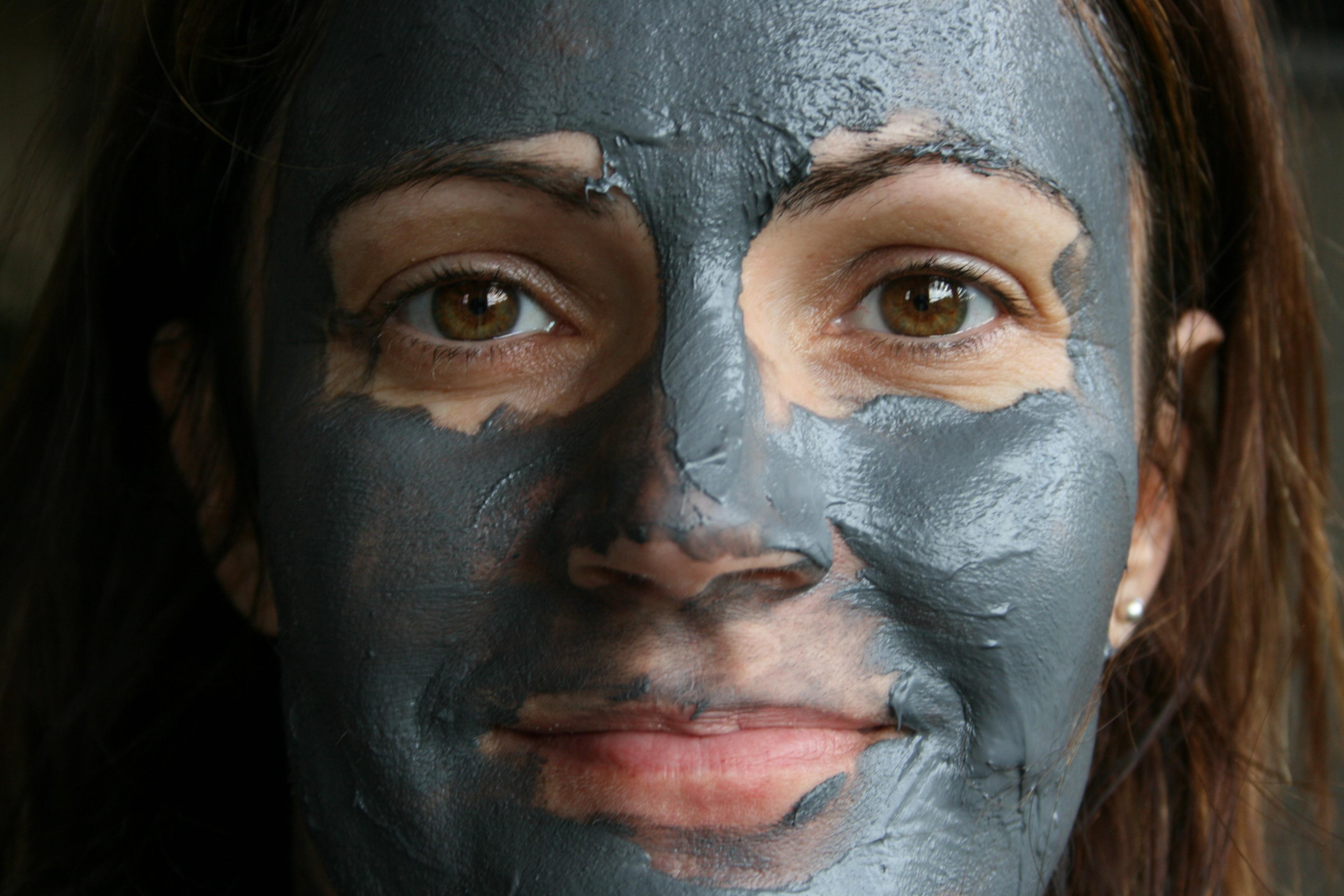 wulkaniczna maska Yoskin
