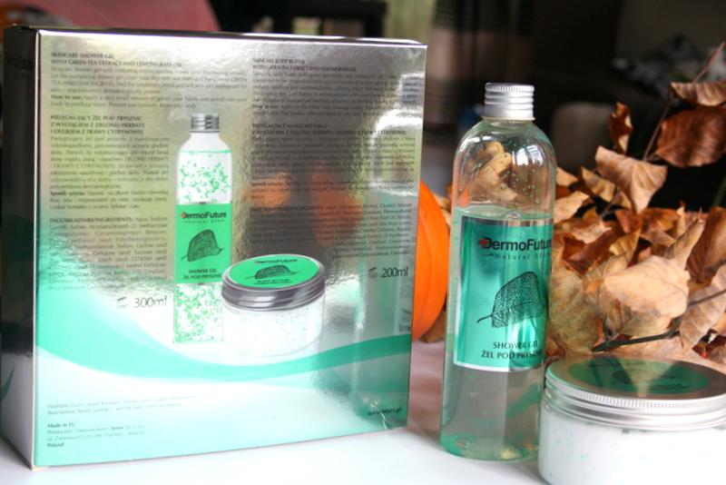 pielęgnujący zestaw do ciała z wyciągiem z zielonej herbaty i olejkiem z trawy cytrynowej Dermo Future