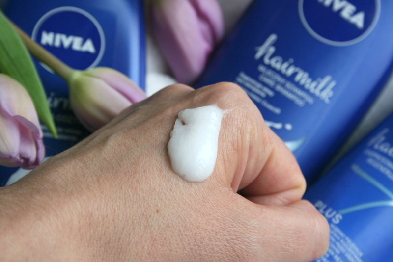 Mleczna pielęgnacja włosów Nivea Hairmilk