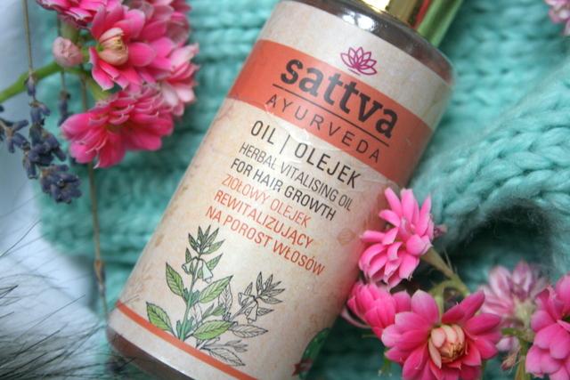 Ayverdyjski olejek rewitalizujący Sattva