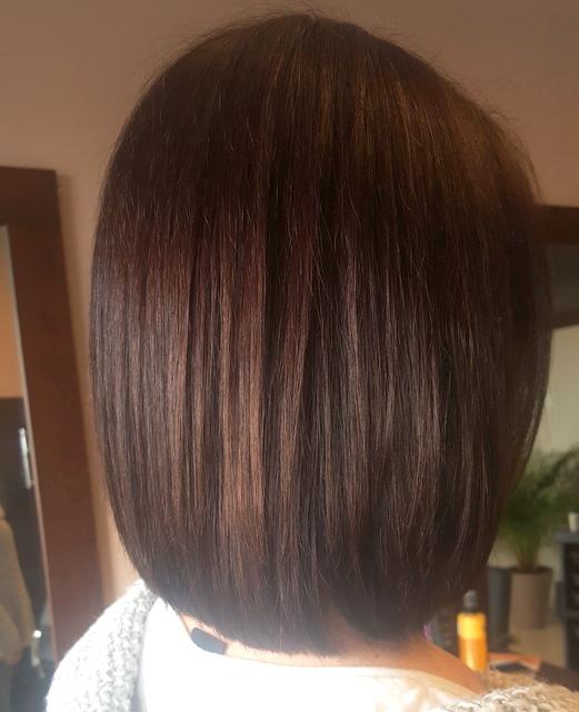 Cieniowanie zniszczonych włosów