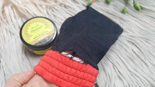 Czarne mydło i rękawica Kessa