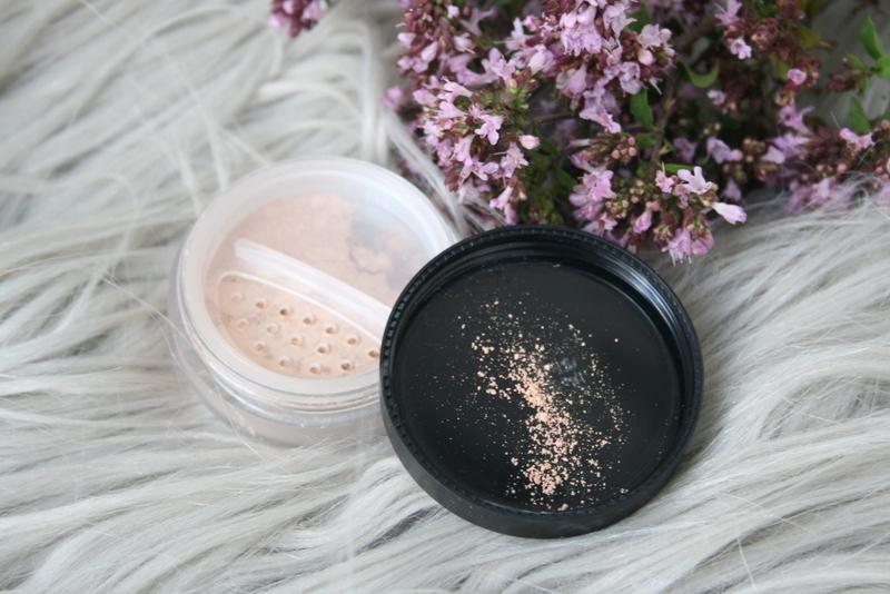 Makijaż mineralny Lilo Lolo idealny na lato