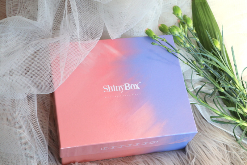 Loveliness pudełko pełne miłości shinybox luty 2019