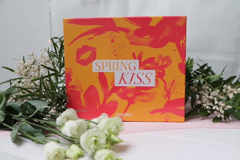 Spring kiss shinybox kwiecień